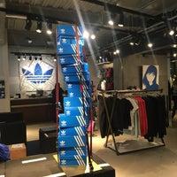 3/2/2018にAi H.がadidas Originals Flagship Store Tokyoで撮った写真