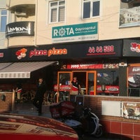 Photo taken at Pizza Pizza by Ramazan T. on 11/22/2015
