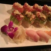 รูปภาพถ่ายที่ Sushi Itto โดย Catherine A. เมื่อ 10/25/2012