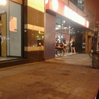 Снимок сделан в Burger King пользователем Carla R. 12/31/2012