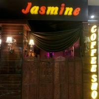 Photo taken at Jasmin Coffee Shop | کافیشاپ ژاسمین by Babak M. on 3/29/2016