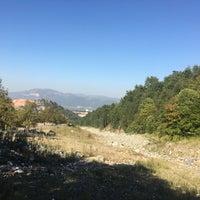 Photo taken at cumalıkızık aral piknik alanı by metin m. on 10/1/2016
