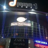 Снимок сделан в Dream Town, 1 линия пользователем KATRIN 10/13/2013