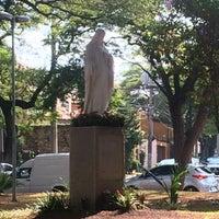 Das Foto wurde bei Praça Coração de Maria von Anderson W. am 5/20/2016 aufgenommen