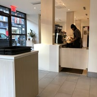Foto tomada en Blue Bottle Coffee  por Eugeniu V. el 11/21/2017