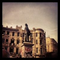 Foto tomada en Talaat Harb Sq. por Ahmed E. el 3/2/2013