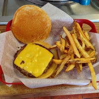 Photo taken at JG's Old Fashioned Hamburgers by Walter T. on 6/25/2013