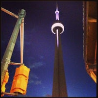 Foto tomada en Torre CN por Jonathan P. el 3/24/2013