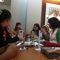Photo taken at Pisa Kafe by Elyn E. on 5/31/2013