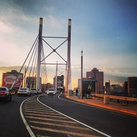Снимок сделан в Nelson Mandela Bridge пользователем Vule V. 7/11/2013
