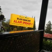 Photo taken at Ikan Bakar Alam Indah 1 by Jerri N. on 4/25/2015