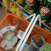 Photo taken at 7-Eleven (เซเว่น อีเลฟเว่น) by Ford H. on 9/12/2016