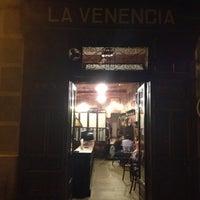 รูปภาพถ่ายที่ La Venencia โดย angela u. เมื่อ 10/8/2012