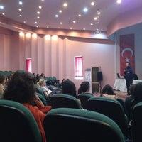 3/20/2013 tarihinde Arda E.ziyaretçi tarafından İletişim Fakültesi'de çekilen fotoğraf