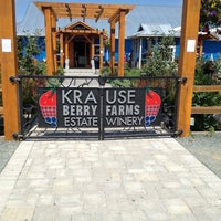 Photo taken at Krause Berry Farms & Estate Winery by Riza C. on 7/28/2013