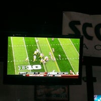 Photo taken at Stadium Sports Tavern by Anik J. on 11/24/2012
