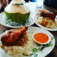 Photo taken at Kedai Makan No.9 Kerusi Hijau by Nurfarhana M. on 1/30/2016