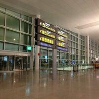 Foto tomada en Terminal 1 por Dmitry K. el 2/28/2013