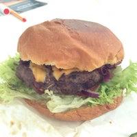 Photo taken at Goodman's Burgertruck by Markus R. on 1/30/2014