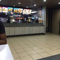 Photo taken at KFC by Herey H. on 5/23/2017