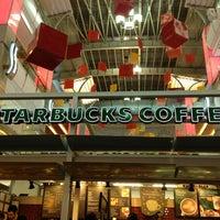2/5/2013 tarihinde Mustafa Dogan Y.ziyaretçi tarafından Starbucks'de çekilen fotoğraf