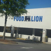 Photo taken at Food Lion Grocery Store by Matthew F. on 6/8/2016