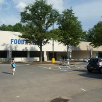 Photo taken at Food Lion Grocery Store by Matthew F. on 8/1/2016