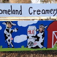 Photo taken at Homeland Creamery by Cesar L. on 11/24/2013