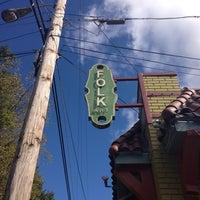 Foto tomada en Folk Art Restaurant por James M. el 10/14/2013