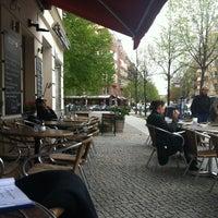 Das Foto wurde bei Kollwitzplatz von Ian S. am 4/29/2013 aufgenommen