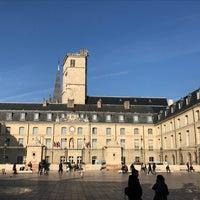 11/3/2017にEric TがPalais des Ducs et des États de Bourgogne – Hôtel de ville de Dijonで撮った写真