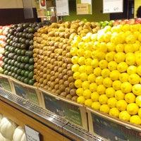 Das Foto wurde bei Whole Foods Market von Michael L P. am 10/3/2012 aufgenommen