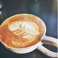 Photo taken at Ashlawn Farm Coffee by Harrison G. on 1/17/2014