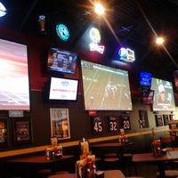 9/15/2012 tarihinde Krys R.ziyaretçi tarafından Buffalo Wild Wings'de çekilen fotoğraf