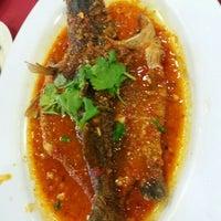 6/26/2016 tarihinde Sarif Y.ziyaretçi tarafından Restoran D' Coral Ikan Bakar Istimewa & Thai Seafood'de çekilen fotoğraf