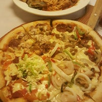 Photo taken at Burgoo by Grace R. on 8/11/2016