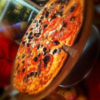 Photo taken at Il Fornito Pizzeria by Ernesto T. on 1/25/2014