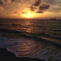 7/21/2013 tarihinde Travis T.ziyaretçi tarafından Fort Lauderdale Beach'de çekilen fotoğraf
