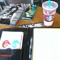 Photo taken at Starbucks by Radikal Magazine G. on 9/6/2013
