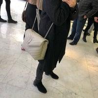 Das Foto wurde bei Yves Saint Laurent von Maulida Fitria D. am 3/18/2018 aufgenommen
