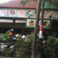 Photo taken at D'Bamboo by Maulida Fitria D. on 10/18/2017