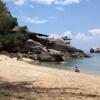 Photo taken at Charmchuree Villa @KOH TAO by Meaw S. on 5/3/2014