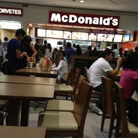 Photo taken at McDonald's by Rogério L. on 4/27/2013