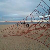 Foto tomada en Playa de la Mar Bella por Victor B. el 3/29/2013