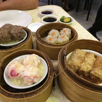 Foto tomada en Golden Fortune Seafood Restaurant por Charmie S. el 4/29/2018