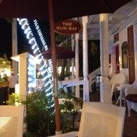 Foto tirada no(a) Rum Bar at the Speakeasy Inn por Jeff V. em 11/5/2012