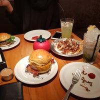 Foto tirada no(a) Town Sandwich Co. por Fernando K. em 8/23/2017