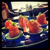 Foto tirada no(a) Nahoe Sushi por Willian G. em 4/13/2013