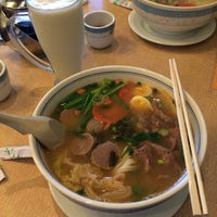 Photo taken at HD Chinese Yunnan Rice Noodle by William C. on 12/30/2013