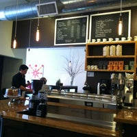 Foto scattata a JoLa Cafe da Greg G. il 2/25/2013